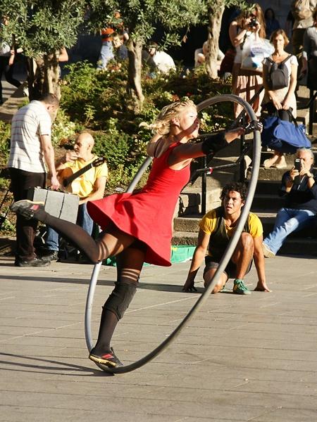 Street acrobats by TT999