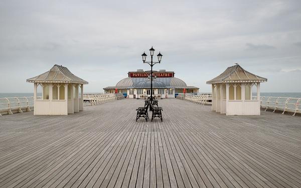 Cromer Pier by spongeee
