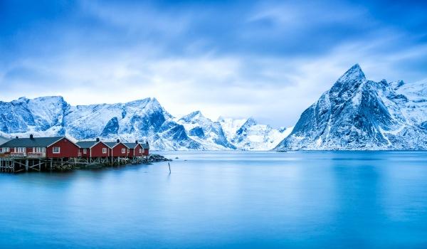 Arctic Glow - Hamnoy. by richardburdon