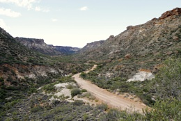 THE DRIVE INTO SHOTHOLE CANYON WESTERN AUSTRALIA