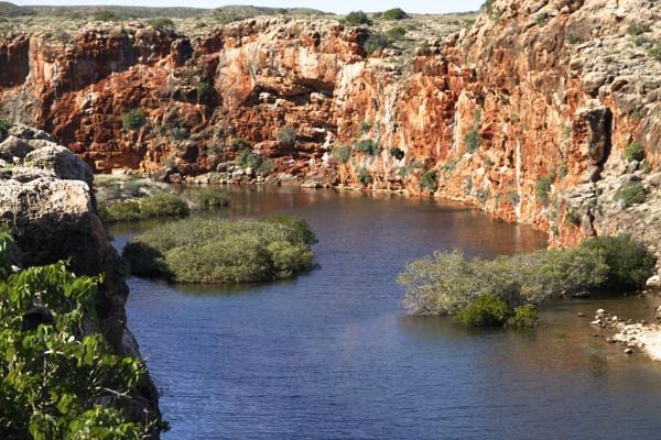 YARDLE CREEK GORGE WESTERN AUSTRALIA by BRITCHIE