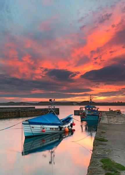 Beadnell Afterglow by richardburdon