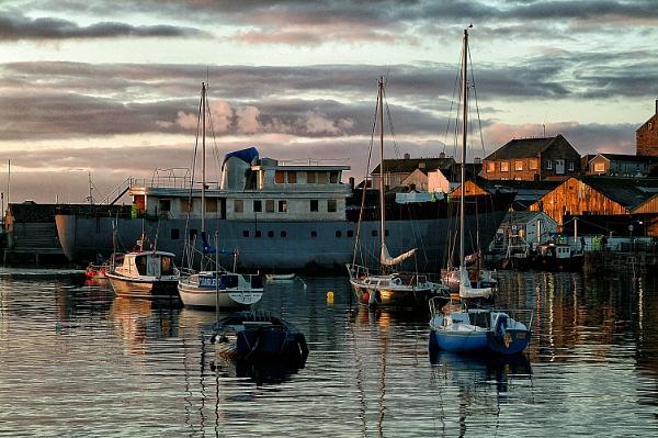 Harbour Sunrise by headskiesfly