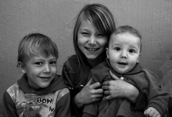 Markus kids. by Laslo
