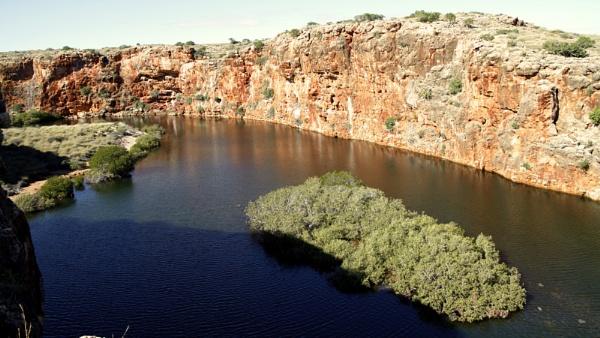 YARDIE CREEK GORGE WESTERN AUSTRALIA by BRITCHIE