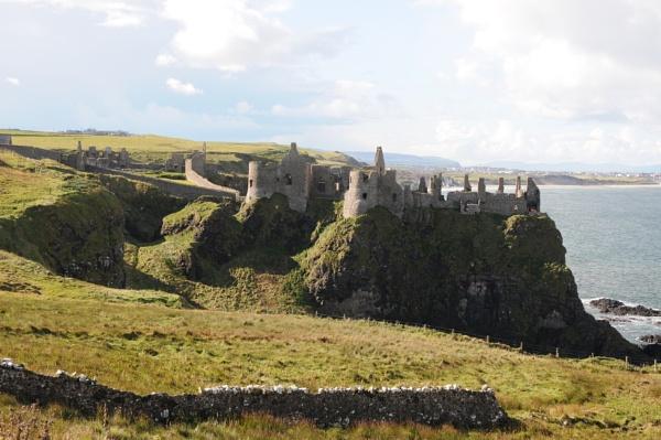 Dunluce castle by ernestdonal79
