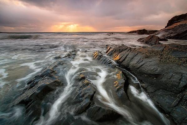 Tide Retreating by ilocke