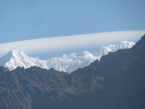 Cloud kissing the peak by kinkhab
