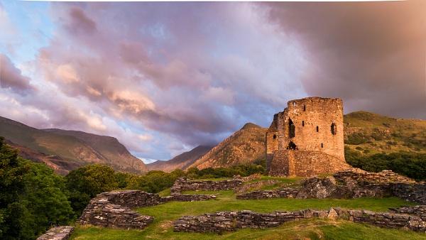 Dolbardin castle by titchpics
