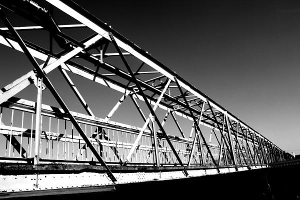 Bridge over railway. by colinbond987