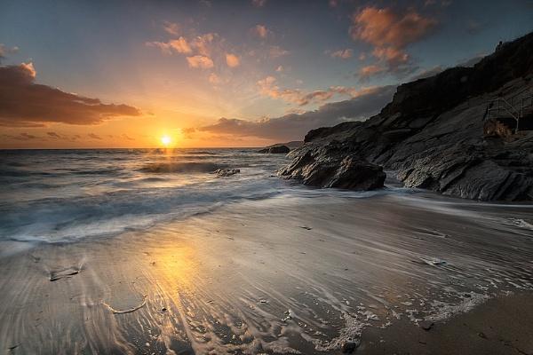 High Tide Sunset by ilocke