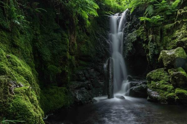 Venford Brook Waterfall by screwdriver222