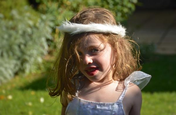 Christmas angel by ColleenA