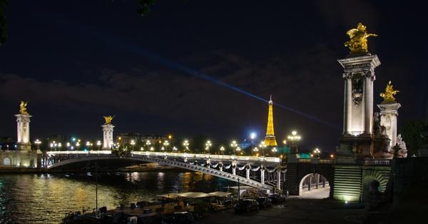 Pont de l\'Alma by PensHockeyFan