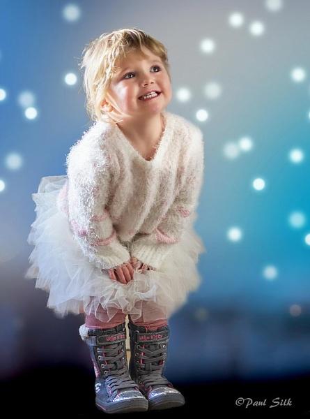 Scarlett the Christmas Girl by Craftysnapper