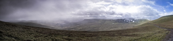 Sleet, hail and rain approaching Pen Y Fan (Brecon Beacons) by Pj0