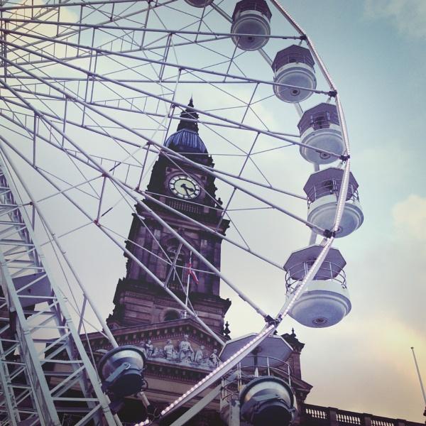 xmas Ferris Wheel near to Ton Hall by LACOUPE