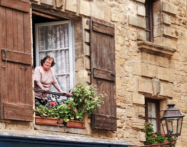 Sarlat Neighbourhood Watch by shawy