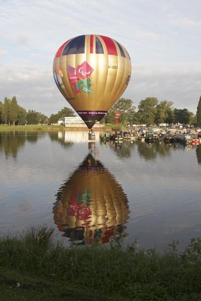 Northampton balloon festival by davetibb