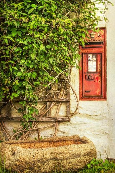 Ye Olde Poste Box by WeeGeordieLass
