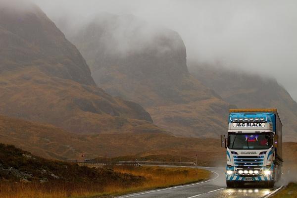 Trucking through Glencoe