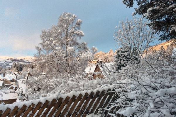 Ah  Winter by daviewat