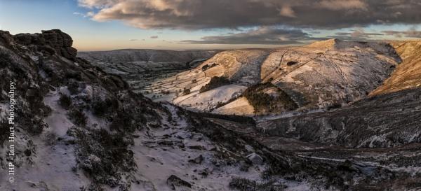 Grindsbrook Clough by ArtyArt
