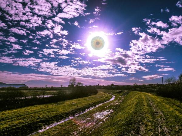 Sky eye by Thcphoto