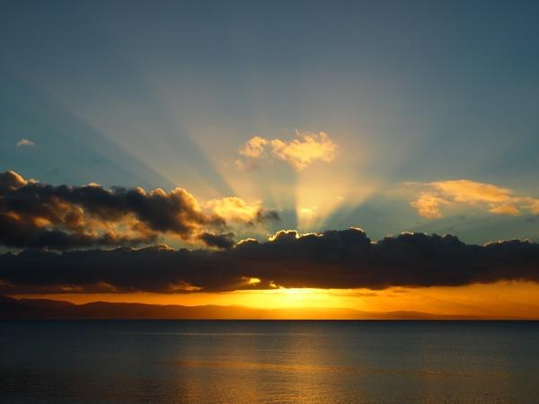 Pwllheli sun rays by G_Hughes