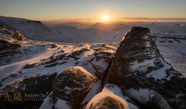 Ringing Roger Winter Light, Peak District by awhyu