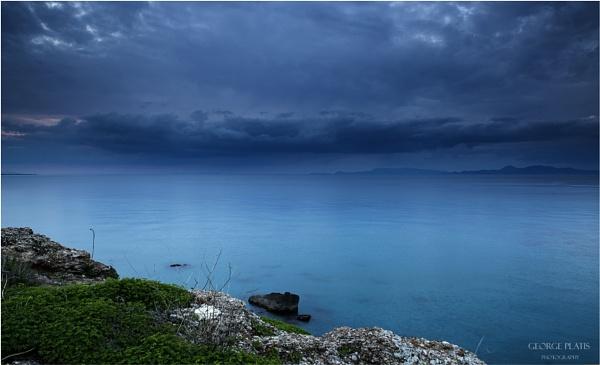 Winter seascape by GeorgePlatis