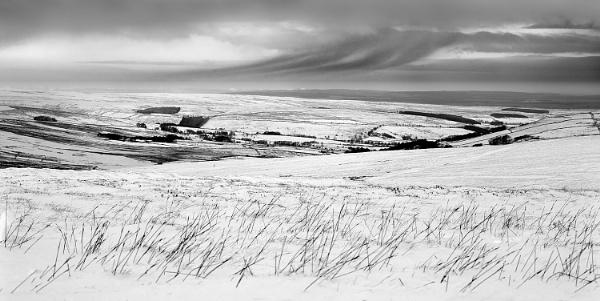Winter Dale by Nigeve1
