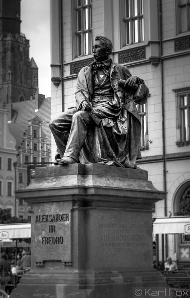 Wroclaw Statue by karlfox