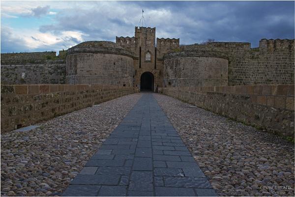The Gate by GeorgePlatis