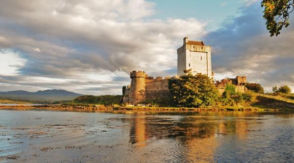 Doagh castle by ernestdonal79