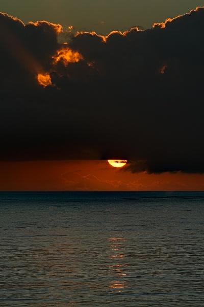 Sunrise II by luizdasilva