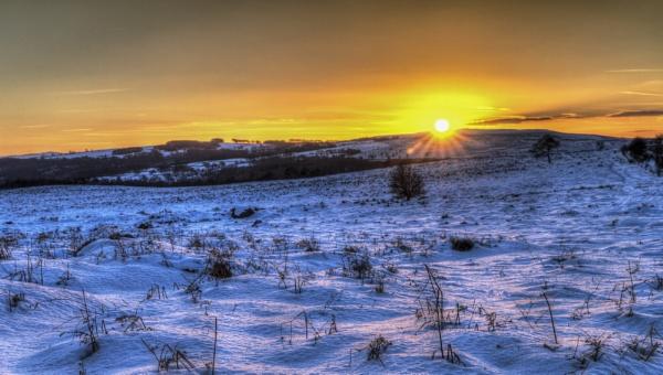 Winter sun over Hathersage, Derbyshire by haydntaylor