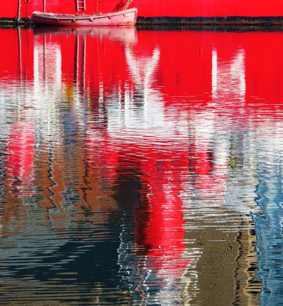 The Docks, Liverpool. by lblythe