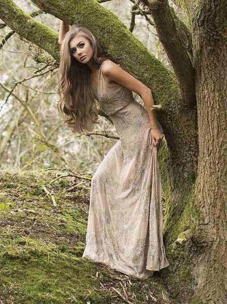 Woodland Beauty II by grahamab