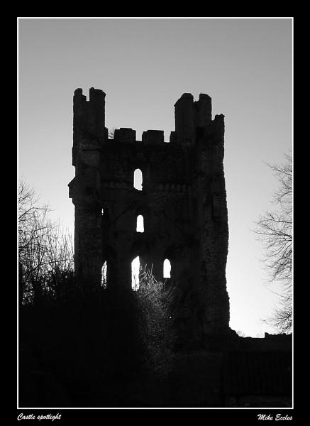 Castle spotlight by oldgreyheron