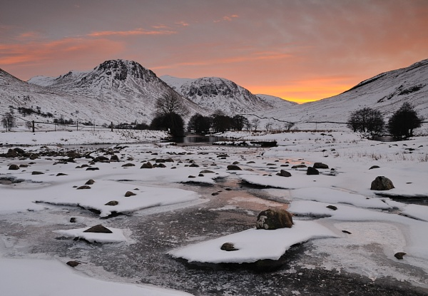 Glen Lyon by JohnParminter