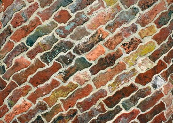 Dancing bricks - mouseover by helenlinda