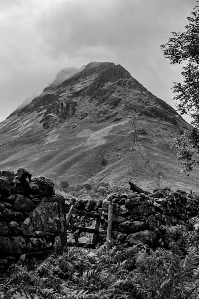 Yewbarrow by Andysnapper