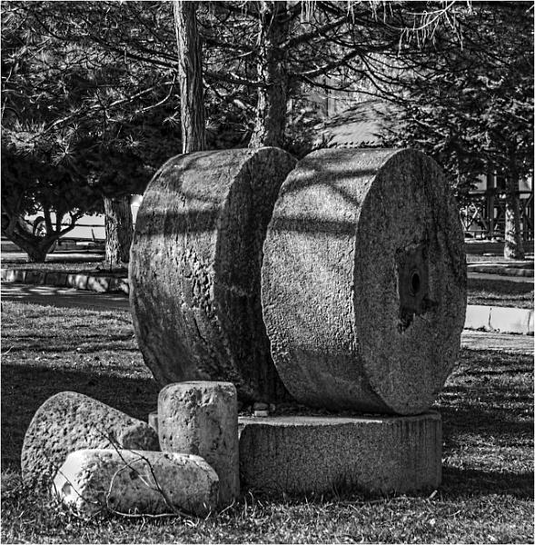 Millstones by nonur