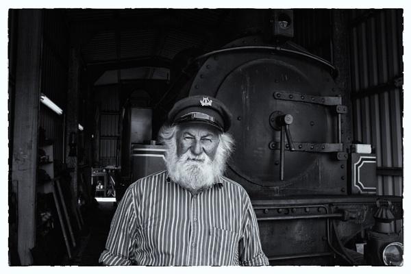 Train Keeper by mondmagu