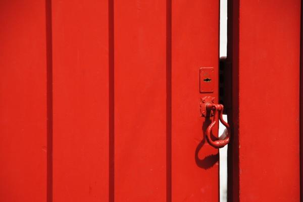 Open & shut case by Chinga