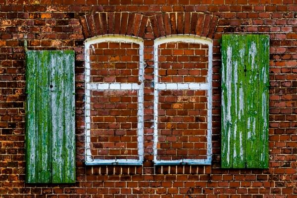 double window by LGHSTF