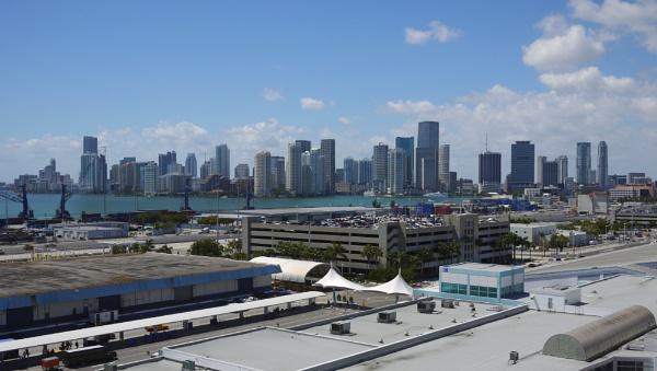 Miami by daviewat