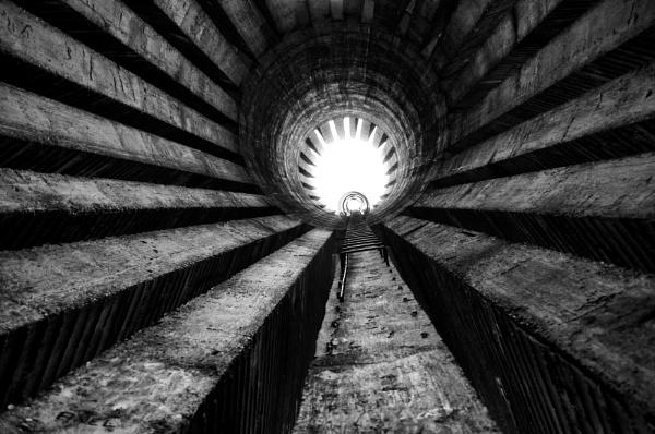 Vertigo by dusica
