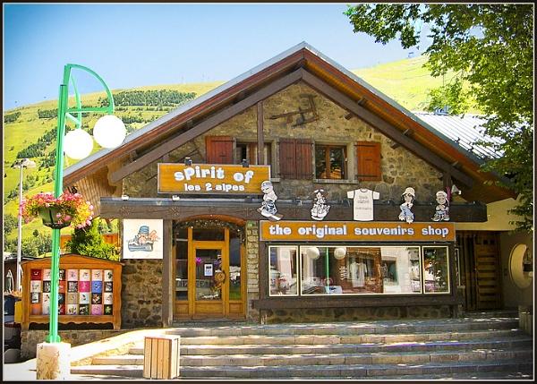 Shop Les 2 Alpes by Billies